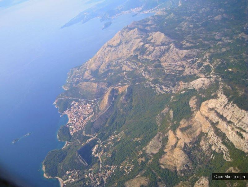 Отдых в Черногории: Вид на Черногорию с самолета: это потрясающе!