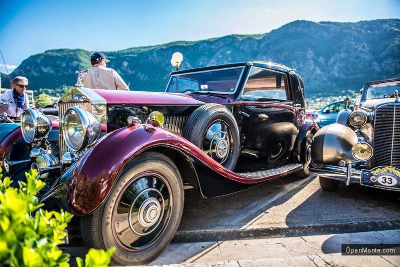 Фото Черногории: О Черногории: В Которе состоялся автопробег ретро-автомобилей