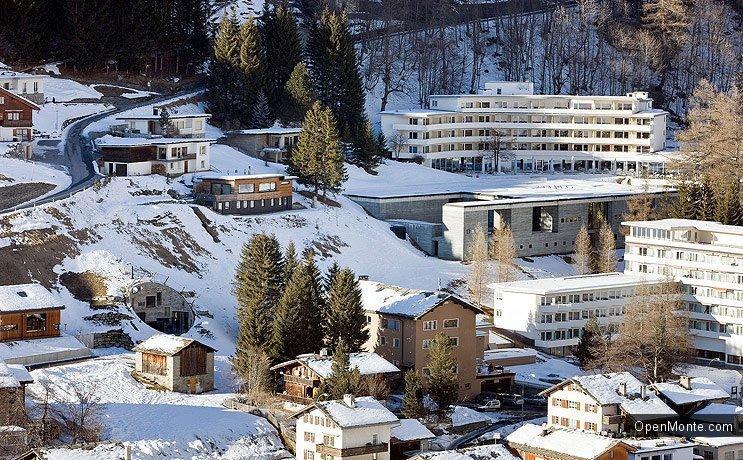 Это интересно: В Швейцарии можно снять для жилья пещеру хоббитов
