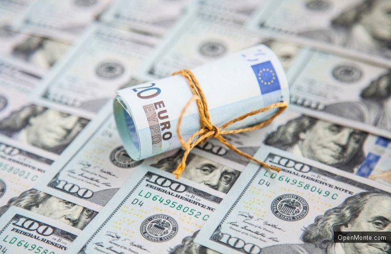 Не только Черногория: Россиянам рекомендуют покупать валюту к отпуску, пока укрепляется рубль