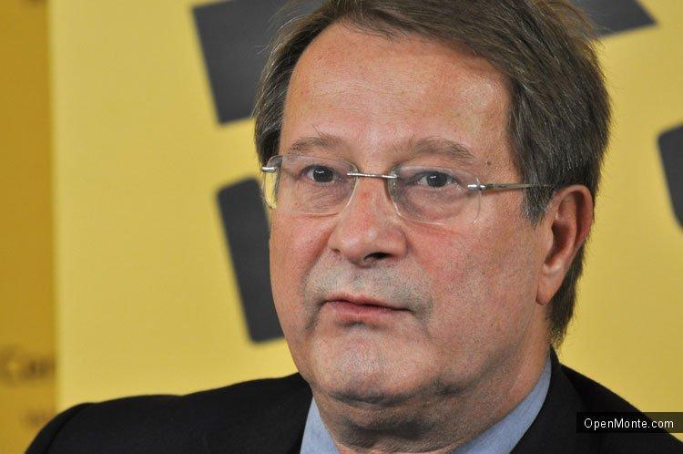 Проживание в Черногории: Boško Jakšić: «Вместе с НАТО быстрее и до ЕС»