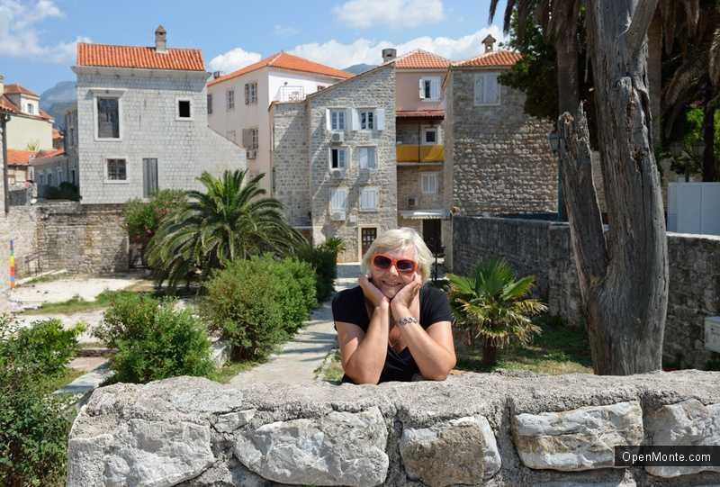 Новости Черногории: В Черногории проживает 44 человека, чей возраст превышает 100 лет