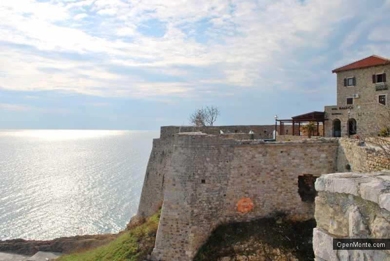 О Черногории: старый город Ульцинь