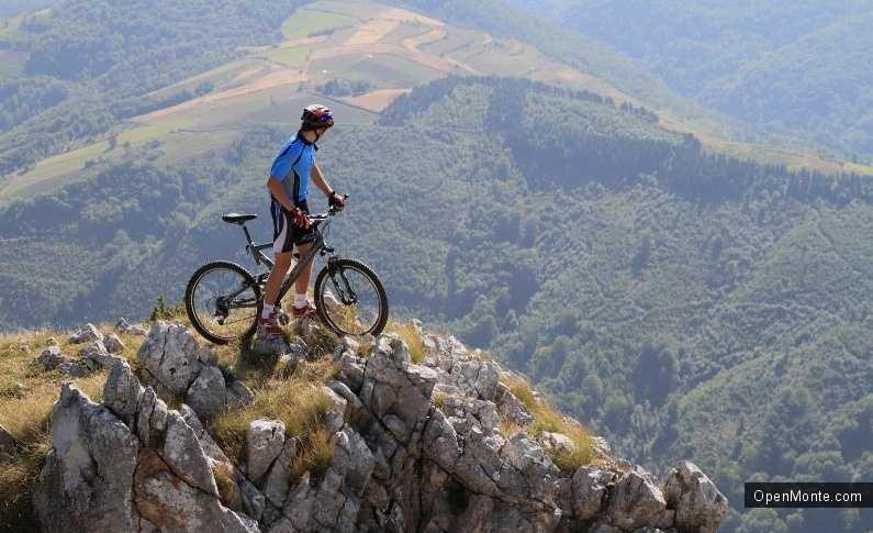 Новости Черногории: Путешествие на велосипеде с горы Ловчен до Котора