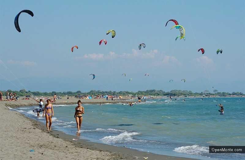 Новости Черногории: Серферы считают Великий Пляж в Черногории лучшим местом для кайтинга