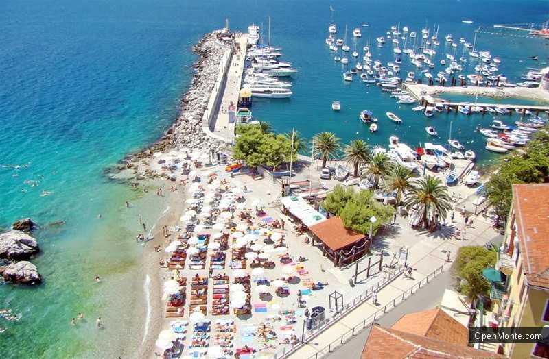 Новости Черногории: На пляжах Херцег-Нови нет свободных мест