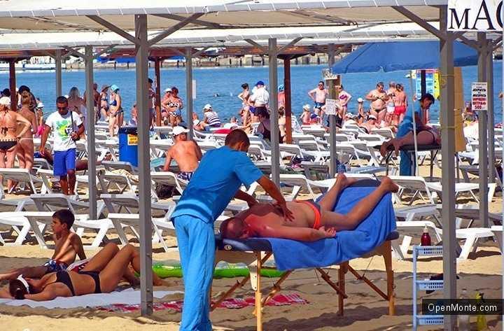 Новости Черногории: Массажистам и физиотерапевтам запрещено работать на пляжах Черногории