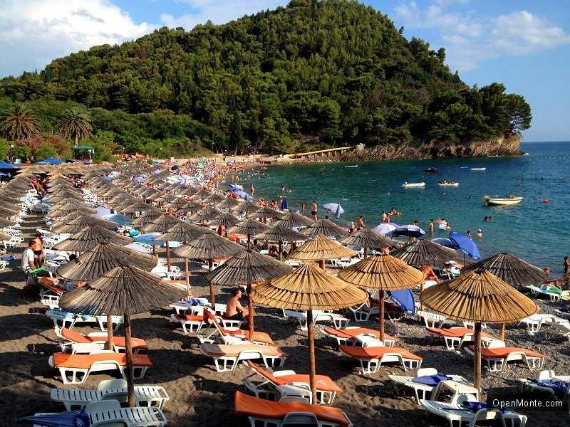 Новости Черногории: Рекордные доходы на побережье Черногории: 5,5 млн. евро от аренды пляжей