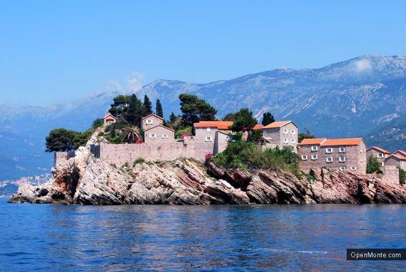 Новости Черногории: Потомки основателей острова Свети Стефан просят вернуть острову свободу