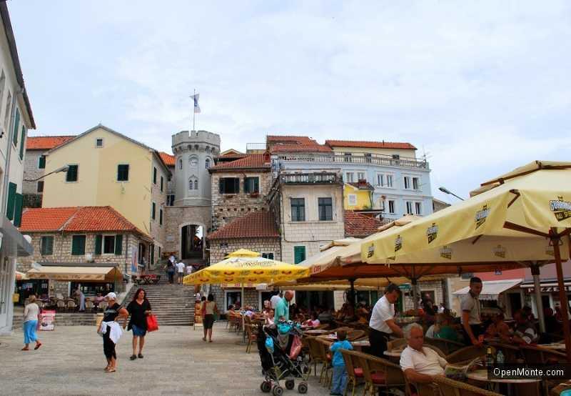 О Черногории: часовая башня Сат Кула