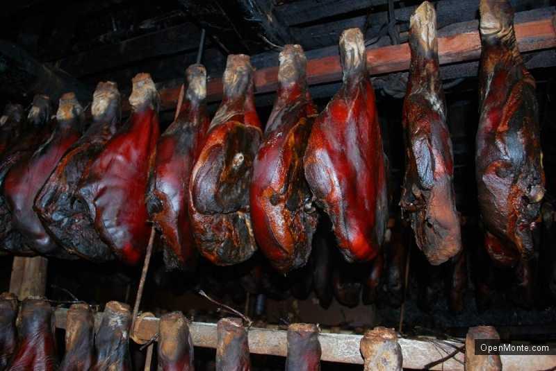 О Черногории: мясо
