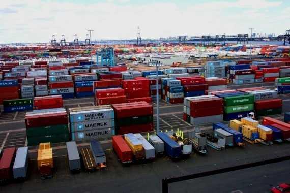 Новости Черногории: Торговля в Черногории: по результатам первого квартала 2013 года импорт в 4 раза выше экспорта